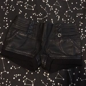 Love culture faux leather shorts size small